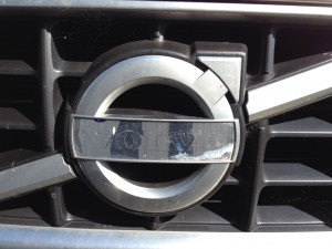Volvo emblem missing its blue bit